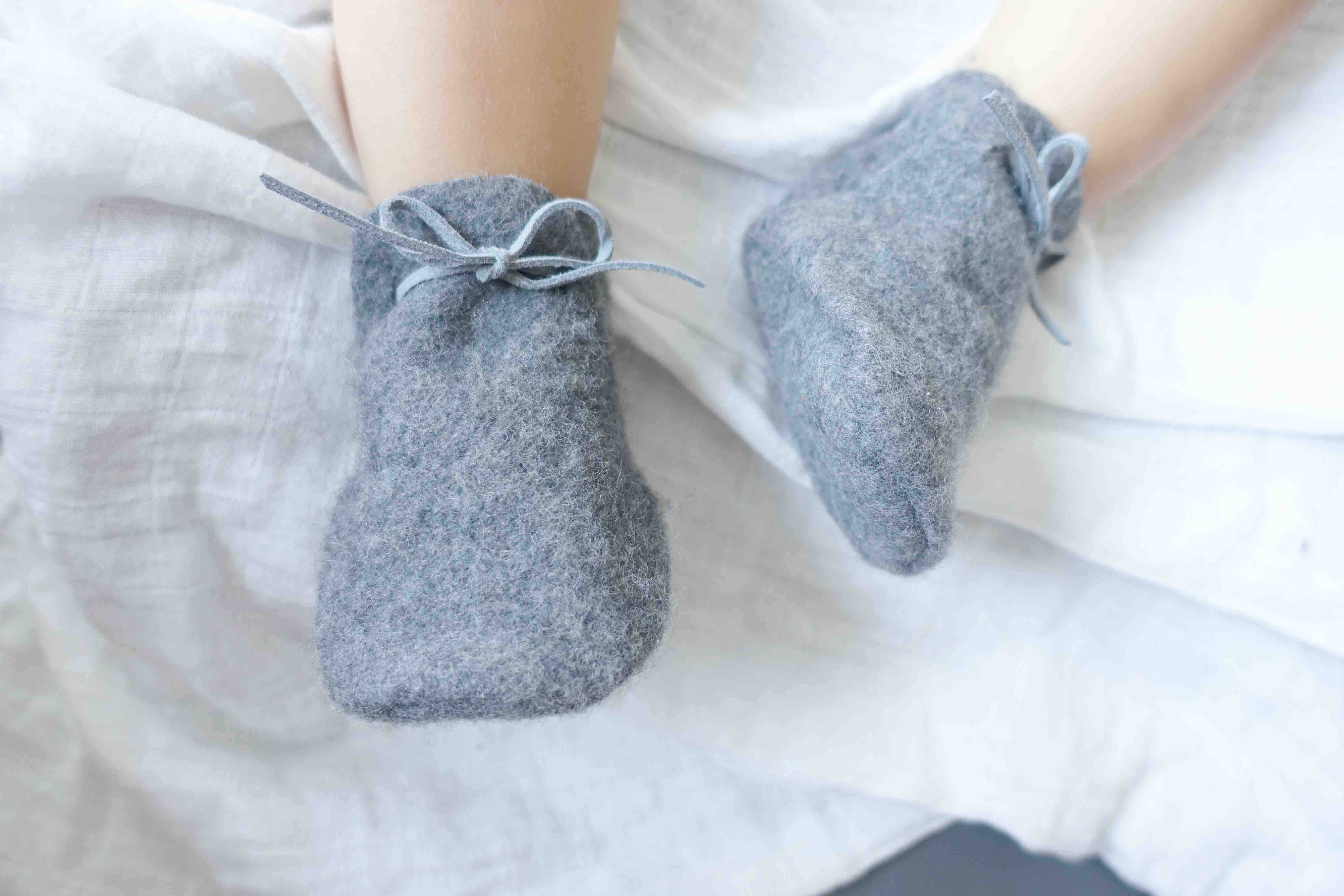 Baby Slipper in natural grey wool